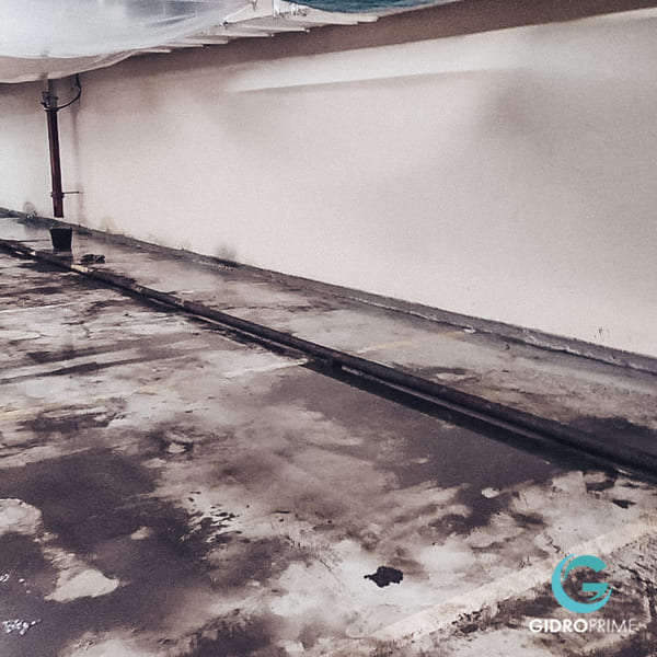 Gidroizolyaciya primykanij stena pol v podzemnom parkinge 1